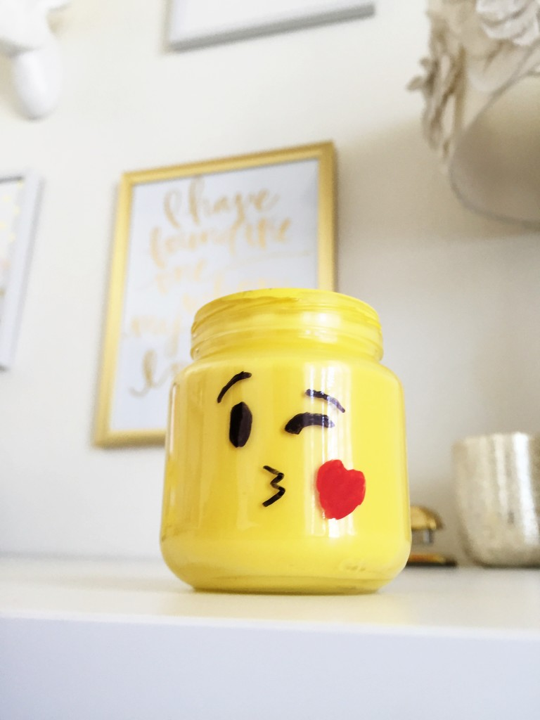 Emoji mason jars, emoji, baby food jar crafts, crafts, diy, our messy table