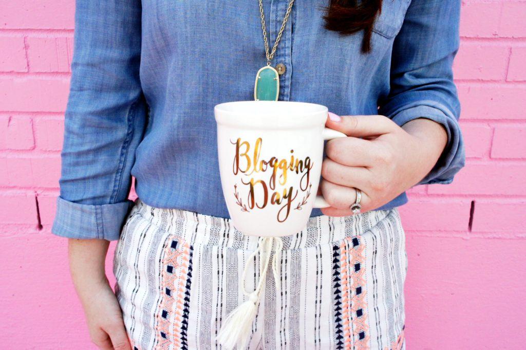 a year in coffee mugs, mug mondays, coffee, coffee lover, coffee life, coffee cups, coffee mugs, year in review, 2017,